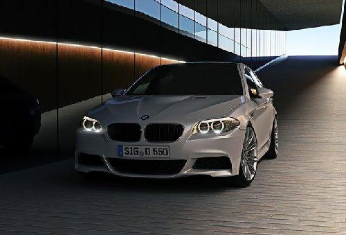 белый автомобиль bmw m5 f10  № 847743 без смс